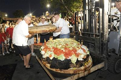 777 Pound Burger And You Forgot The Fries